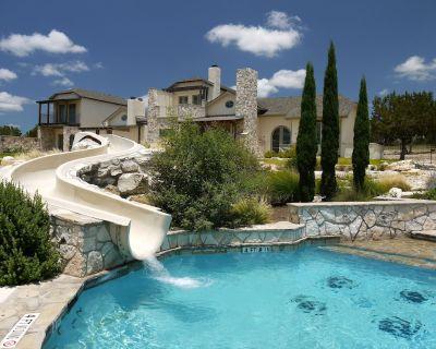 Guadalupe River 2 Bed/2 Bath Condo Resort ~Pools ~Slides - Ingram
