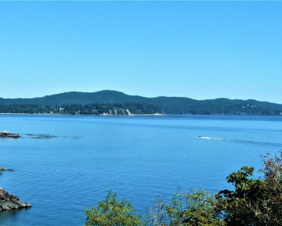 Luxury 1-Bedroom Private Suite Great Views Breakfast 2 Minutes to Beach - Otter Point