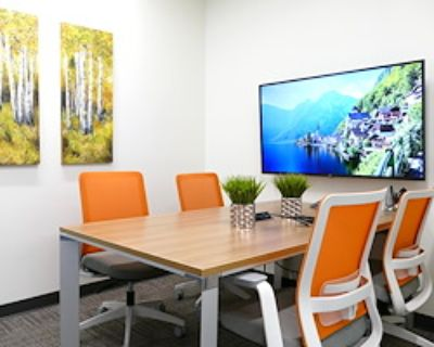 Private Meeting Room for 4 at Office Evolution Colorado Springs