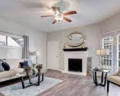 Private room with own bathroom - Houston , TX 77034