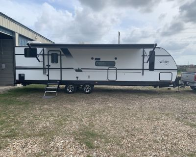 Amazing travel trailer ready to take you wherever your heart desires. - El Campo