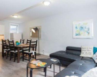 Templeton St & Henderson Ave, Ottawa, ON K1N 7P7 Room