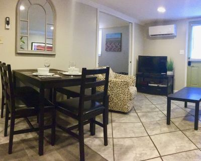 Private, Dog-Friendly Asheville APT. Minutes to *Downtown, River Arts, Biltmore* - Woodfin
