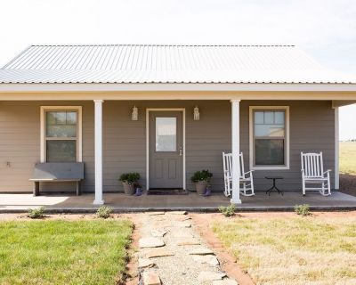 Beautiful New Guesthouse, Cottage Style, Close to Palo Duro Canyon & WTA&M - Canyon