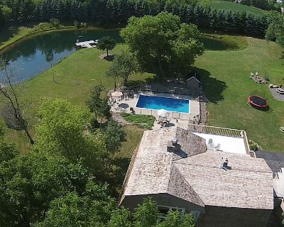 Heated Pool!!, Hot Tub!!, Fishing Pond!!, Game Room all on 7 1/2 Acres!!!!!! - Caledonia