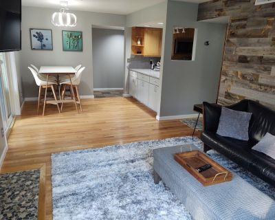 Modern Ground Level Riverfront Condo - World Class Skiing - Private Fly Fishing - Edwards