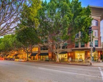 840 E Green St #111, Pasadena, CA 91101 1 Bedroom Condo