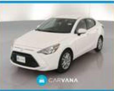 2017 Toyota Yaris White, 44K miles