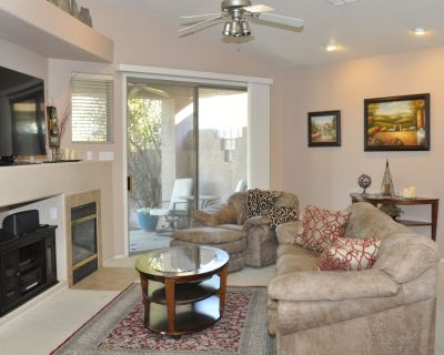 Exquisite golf course home, centrally located, near airport/Tempe/downtown - South Mountain