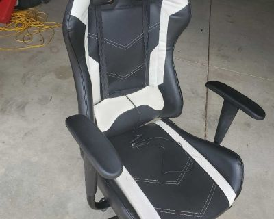 Gaming / Office massaging Chair