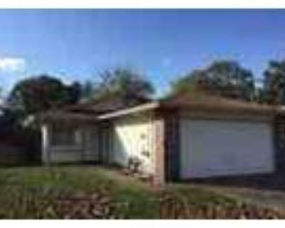 Great 3 Beds 2 Baths House With Fenced Backyard