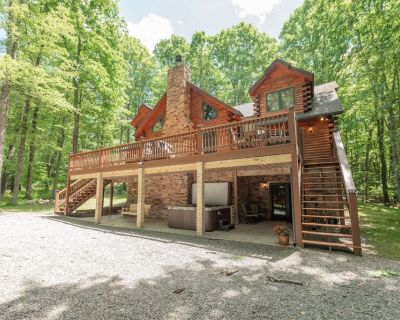 Lake Area Home w/Hot Tub, Fire Pit, Pool Table, & Wood Fireplace! - Oakland