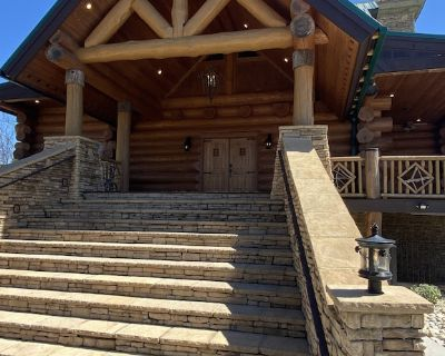 Luxe Bear Lodge 7,000 square ft Where Luxury Meets Serenity Bearadise Found - Pittman Center