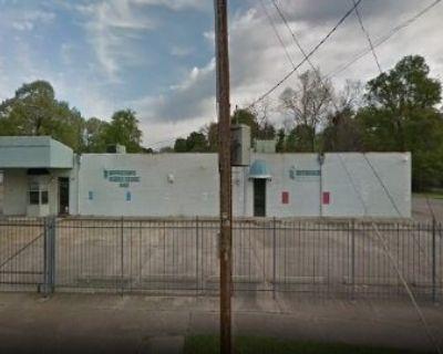Large Building For Sale in Shreveport