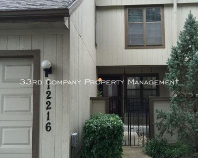 Charming newly remodeled 3 bedroom townhome!