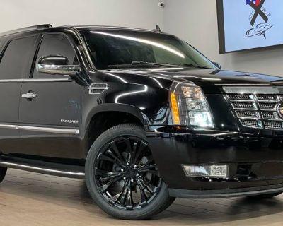2013 Cadillac Escalade Standard