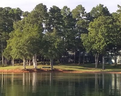 A Perfect Waterfront Villa on Lake Hartwell. Come relax, have fun, get away! - Anderson County