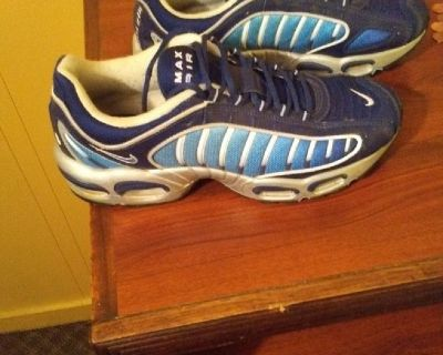 Practically brand new Nike Air Max Exclusives7