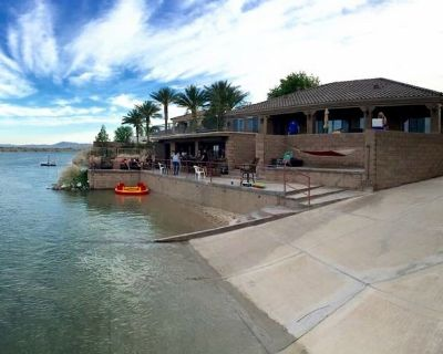 Luxurious Riverfront Home W/ Private Beach & Waterfront Bar - Needles