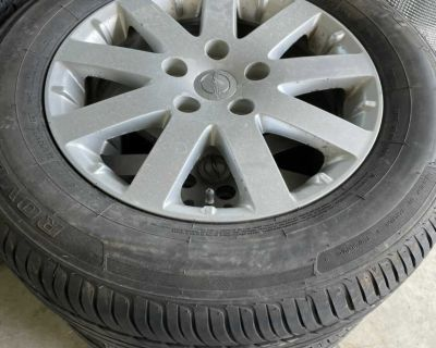 2014 Chrysler town and country rims