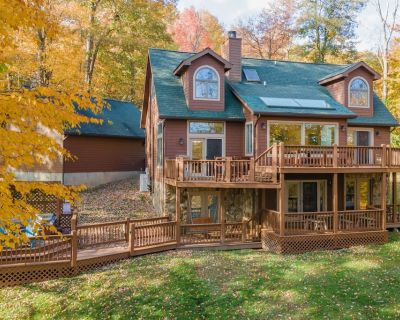 NEW! Lake Access Home w/Hot Tub, Pool Table, Fire Pit, & 2 Wood Fireplaces! - Mountainside