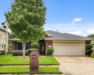 7423 Ulysses Ln, Baytown, TX 77521 4 Bedroom Apartment