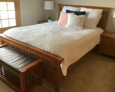 Mission Style queen Bedroom Set