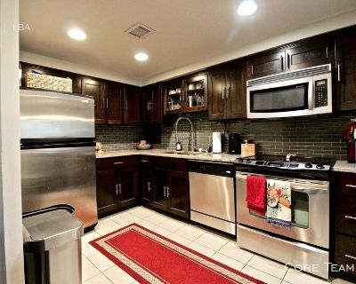 Winston Churchill 2 Bed Condo For Rent - Country Club Plaza
