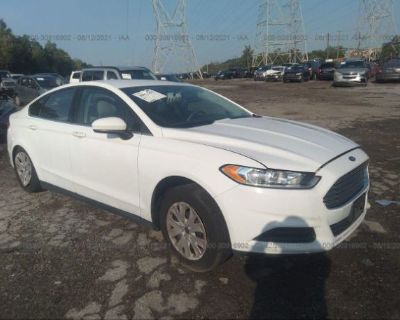 Salvage White 2014 Ford Fusion