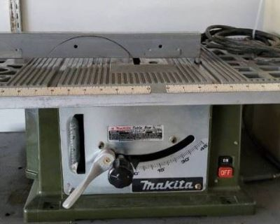 #6998 - In-Home Estate Auction -Kitchen Appliance's, Tools, Camping Equipment, Artwork