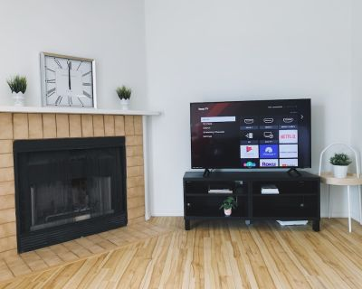 Cozy condo near UofM, good review parking - Fort Garry