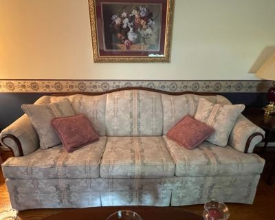 Sofa like new