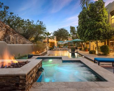 NEW Happy Roadrunner ~ Luxury home on Piestewa Peak with stunning mountain views! - Camelback East