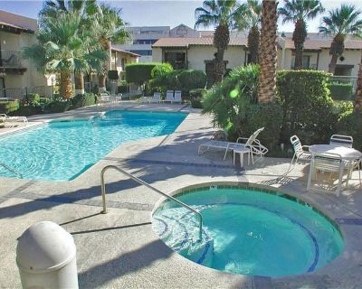 Mid-century-style condo with shared pool/hot tub - near downtown, 2 dogs OK! - Uptown Design District