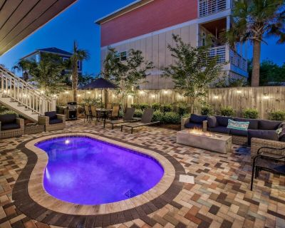 DUNE FINE: Gorgeous Home with Outdoor Oasis! Fire pit, Pool, Golf Cart! Steps to Beach! - Miramar Beach