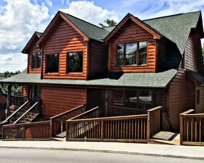 Unit 452 is a 1 bedroom with a king bed , and a set of bunk beds - Pigeon Forge