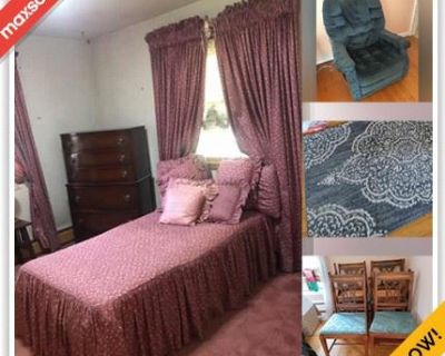 Silver Spring Moving Online Auction - Overton Lane