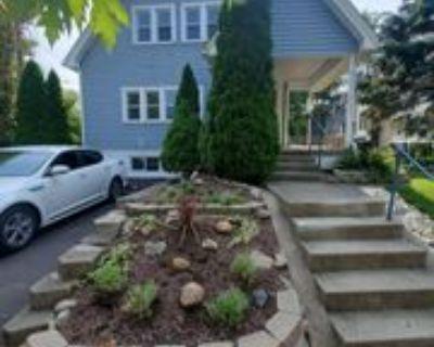 1318 Far Hills Ave, Oakwood, OH 45419 2 Bedroom House