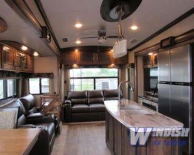 2018 Keystone Montana luxury 5th wheeler. Partial trades possible!