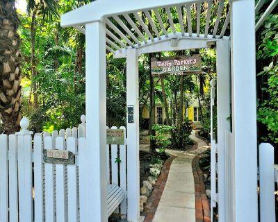 Elegant Key West Tree House - Key West Historic District