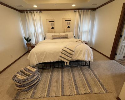 Enjoy leisure at 4BDR with fireplace and whirlpool - Amarillo