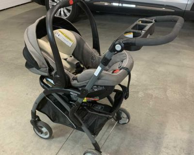 Car seat, stroller, and 2 car seat bases