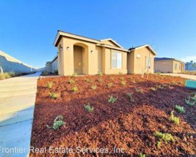 3726 Red Rock Dr, Oildale, CA 93308 2 Bedroom House