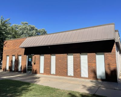 Free-Standing Building For Sale, Hyde Park Area