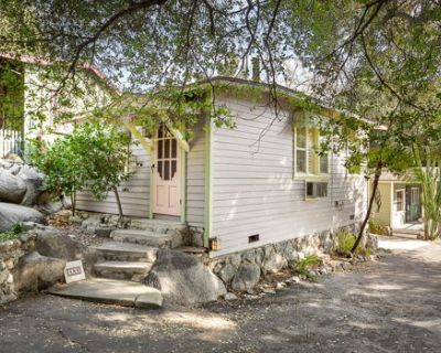 Video Totally Renovated Bungalow Pet Friendly
