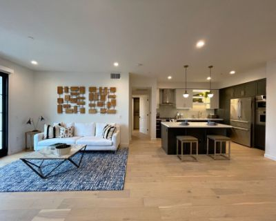 Elegant Fully Staged luxe Apartment, 1384 sqft, Los Angeles, CA