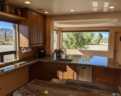 Looking for a getaway? BEAUTIFUL & PRIVATE Guest House! Hiking - Biking - Relax - Tucson