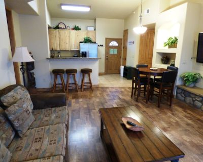 Trails End - Bring the Whole Gang, this 3 Bedroom, 3 Bath Sleeps 8 in Comfort! - Ruidoso