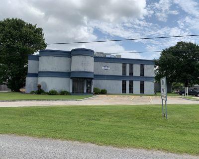 325 Industrial Parkway