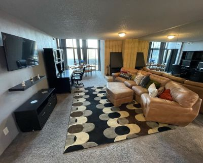 Prime Abode   LoDo   Pool, Gym, Basketball, Tennis, Clubhouse   Private parking - LoDo